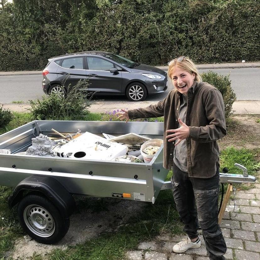 Line er stolt af sin nye trailer fra Bauhaus